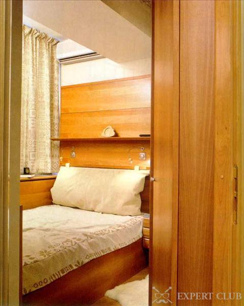 Как сделать в спальне лоджию