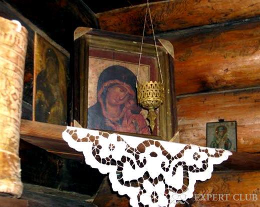 Рукописная икона передается из поколения в поколение