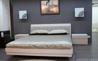 Кровать с тумбочками: как расположить в интерьере