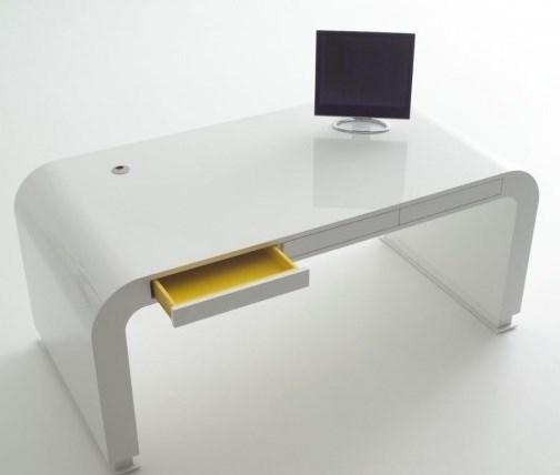 Необычный компьютерный стол