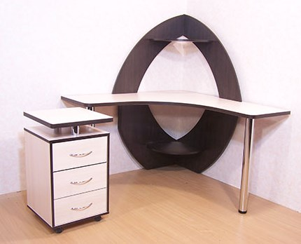 Угловой мобильный компьютерный стол